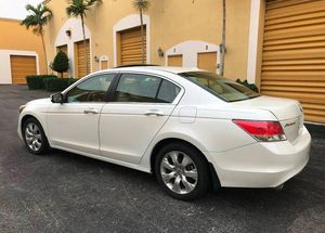 🎁$12OO 📗URGENT📗 For sale 2010 Honda Accord Runs and drives great! Clean title!! for Sale in Riverside, CA
