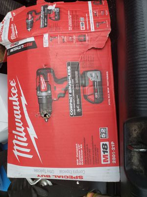 Milwaukee m18 compact brushless 1/4 drill kit for Sale in San Antonio, TX