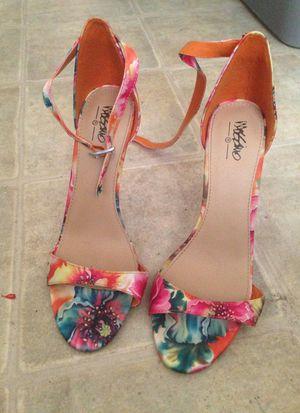 Heels 7.5 for Sale in Arvonia, VA