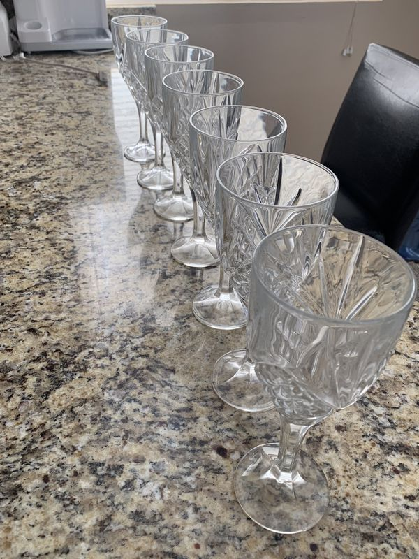 Tall Crystal Wine Glass Set
