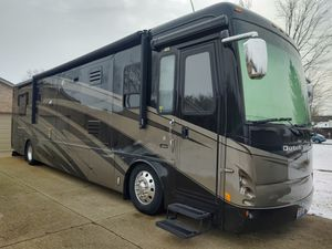 Dutch Star by newmar 07 70k +- miles good shape diesel 400 Cummins (isi )4 slides New carpet for Sale in Day Heights, OH