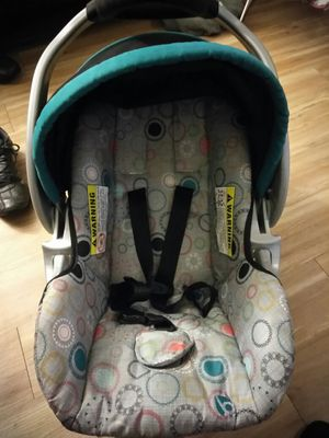 Baby car seat for Sale in Denver, CO