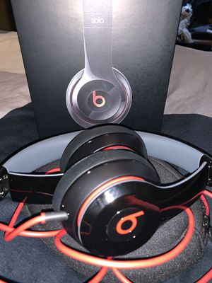 Beats Solo 2 Headphones for Sale in Happy Valley, OR