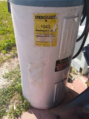 Hot water heater for Sale in Fort Meade, FL