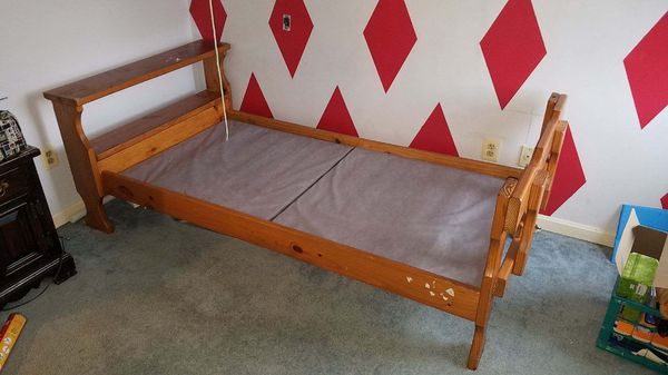 Twin beds/bunk bed