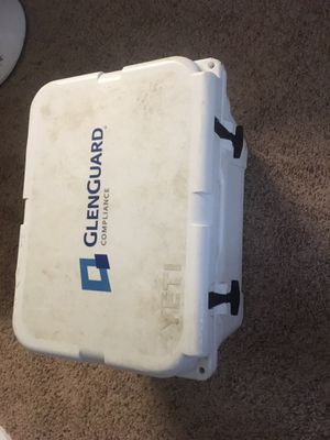 Yeti cooler for Sale in Rockwall, TX