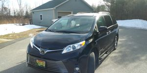 2019 toyota sienna van for Sale in Hermon, ME