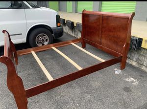 Used queen size bedroom set for Sale in Washington, DC