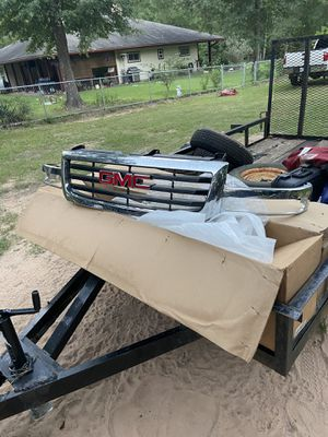 GMC grill 03-06 for Sale in Huffman, TX