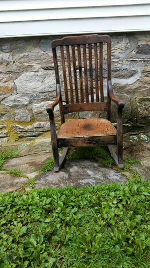 Chair good condition antique and need a new cushions for Sale in Trumbull, CT