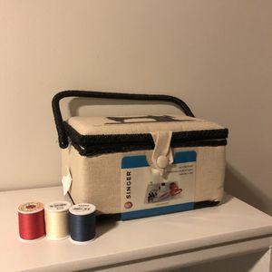 Singer Sewing Basket for Sale in St. Petersburg, FL
