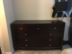 Beautiful Solid Wood Dresser for Sale in Miramar, FL