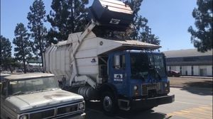 Waste recycling rentabin dumpster trash containers for Sale in Los Angeles, CA