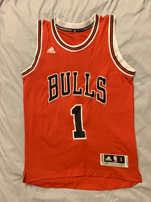 Derrick Rose Chicago Bulls Jersey - Size Small for Sale in Pacifica, CA