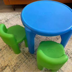 Little Tikes Table and Chair set for Sale in Los Angeles, CA