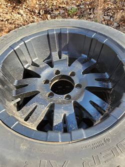 4 x General Tire 255/55 R18 109 H with Black Rims 6 Lug for Sale in Maiden,  NC
