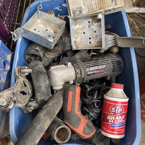 Lotta mixed items for Sale in Jurupa Valley, CA