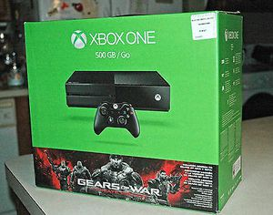 XBOX One (500 GB) with two controllers and games for Sale in New York, NY