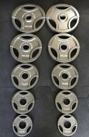 Olympic weight plates (2x35Lbs, 2x25Lbs, 2x10Lbs, 2x5Lbs, 2x2.5Lbs) for $290 Firm on Price for Sale in Walnut, CA