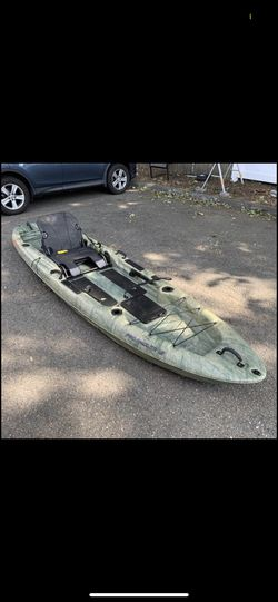 12 Foot Fishing kayak, Sit On/ Stand On for Sale in Edgewater,  NJ