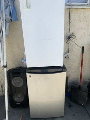 Mini fridge for Sale in South Gate, CA
