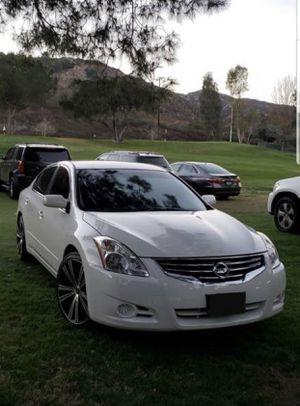 2012 Nissan Altima S with 20 inch rims for Sale in La Mesa, CA
