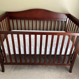 Curbside Alert - Free - Million Dollar Baby 3 in 1 Convertible Crib for Sale in Aurora, IL