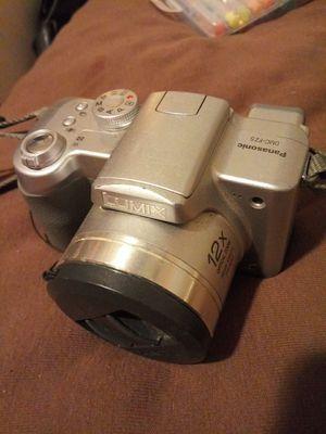 Lumix Panasonic dmc fz5 for Sale in Oklahoma City, OK