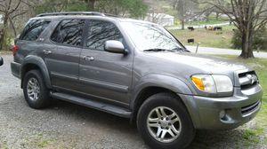 2005 toyota sequoia sr5 for Sale in Blountville, TN