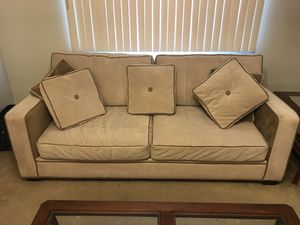 Couch must be out by end of today for Sale in Pittsburgh, PA