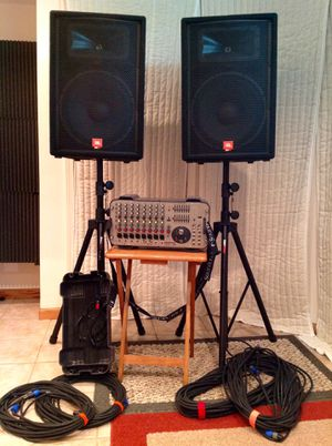 Pro Audio- Soundcraft GigRac 1000 watt mixer with JBL JRX 115's with Stands and Cables for Sale in Gurnee, IL