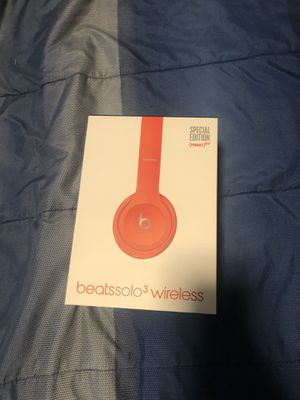 Beats solo wireless (red) for Sale in Fort Worth, TX