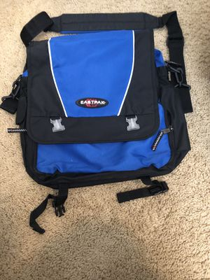 Small Messenger bag for Sale in Elk Grove, CA