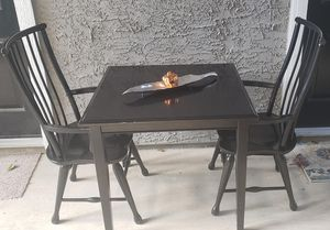 Breakfast table and 2 chairs for Sale in Dallas, TX