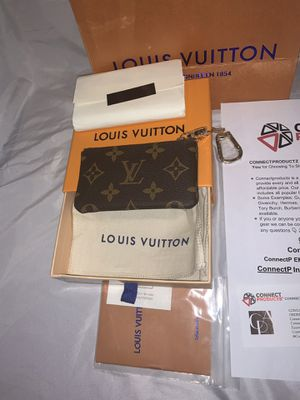 Brand New Authentic Louis Vuitton Brown Monogram Key Pouch (NOW AVAILABLE FOR PICKUP/MEETUP IN NY & SHIPMENT WORLDWIDE) for Sale in Queens, NY