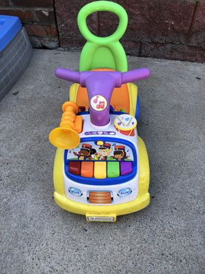 Fisher Price Little People Musical Parade Ride On Toy for Sale in Glenshaw, PA