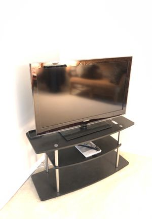 45 inch Samsung TV with stand ! for Sale in Land O Lakes, FL