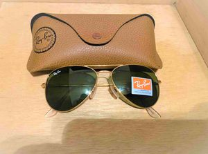 Brand New Authentic RayBan Aviator SunglassesBrand New Authentic RayBan Aviator Sunglasses 100% UV Protectant for Sale in Houston, TX