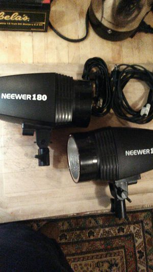 Neewer 180 photography strobe lights x2 for Sale in Ontario, CA