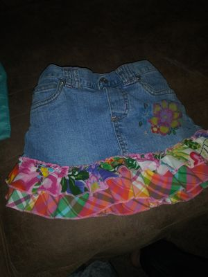 Size 3T little girls jean skirt great condition with panty inside for Sale in Fort Wayne, IN