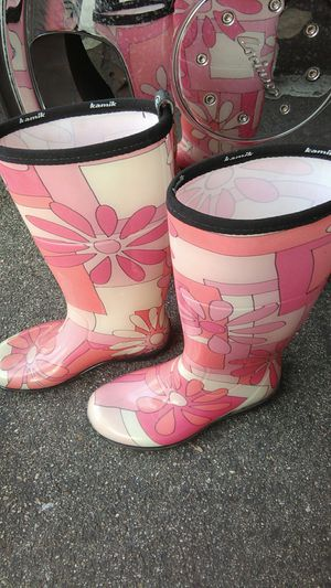 Ladies rain boots size 6 for Sale in Orange, CA