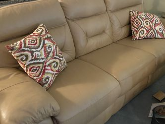 Leather Power Reclining Couch for Sale in Dallas,  TX