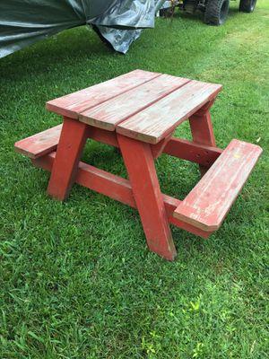 Kids Picnic Table 19t x24l x34w for Sale in Chesapeake, VA