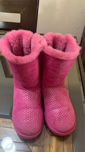 Girls Pink UGG Winter Boots for Sale in Miami, FL