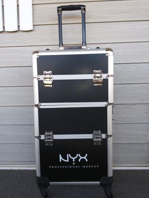 NYX. Rolling Makeup Case 💄 for Sale in San Diego, CA