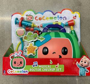 New cocomelon musical doctor checkup set plays doctor checkup song with 4 play pieces for Sale in La Habra, CA