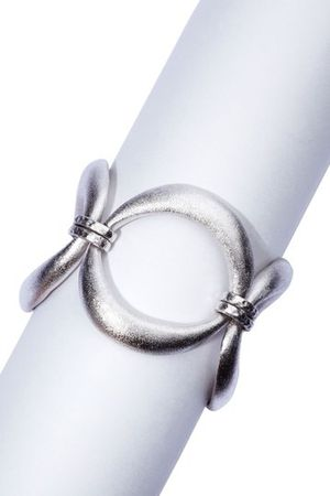 Rivka Friedman Satin Three Station Organic Link Status Toggle Bracelet for Sale in Boston, MA