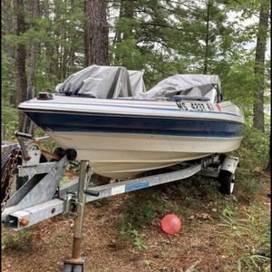 15ft Bayliner Fishing boat for Sale in Chelmsford, MA