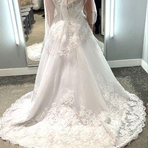Brand New White Wedding Dress for Sale in Oviedo, FL