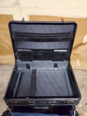 VINTAGE KENNETH COLE BLACK HARD-SIDE BRIEF CASE - firm price. for Sale in Alexandria, VA